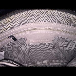 Steve Madden Bags - Steve Madden's Expandable Gray Chained Crossbody